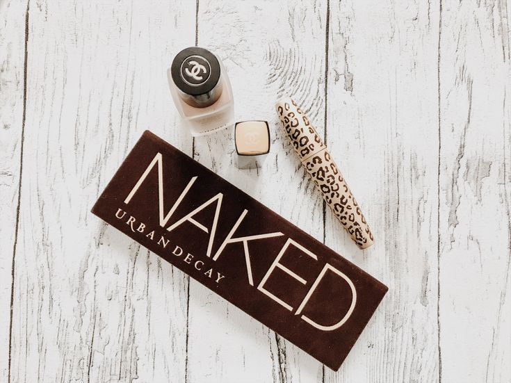 NAKED palette by urban decay - perfect eye make up solution for your Christmas party