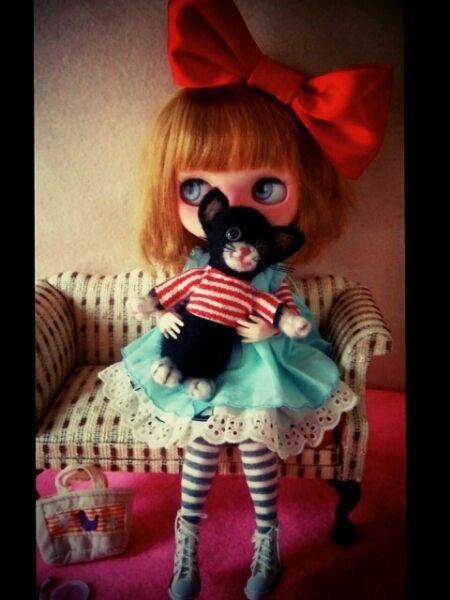 Custom Blythe ☆ with cat moving body ☆ Neo Blythe Find her here: #blythe #blythedolls #customblythe #kawaii #cute #rinkya #japan #collectibles #neoblythe