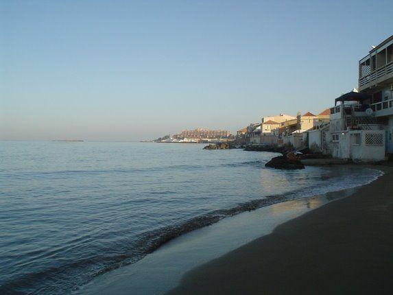 Plage Ouest Sidi Fredj- Alger, Algérie