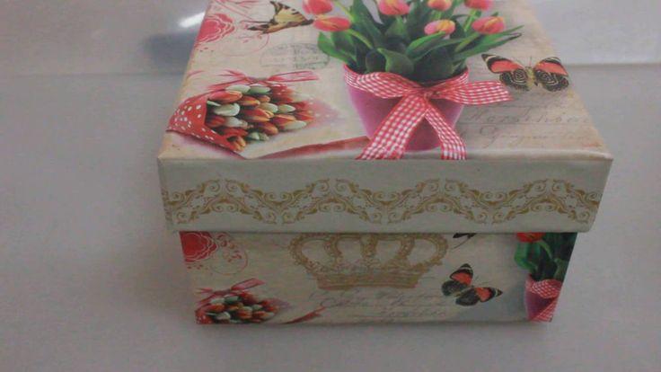 Набор подарочных коробок из 3шт  Квадрат тюльпаны Артикул 12975 1