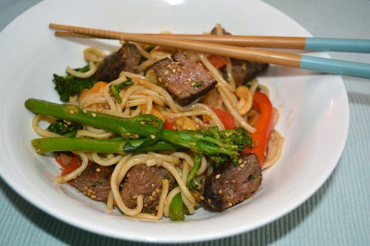 Een super lekker en makkelijk recept: Noodles met biefstuk