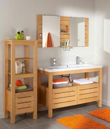Salle de bain simple et accessible