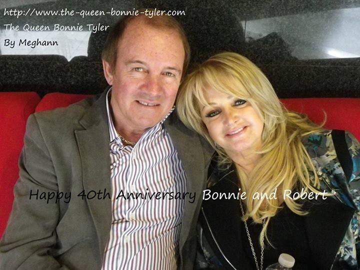 Bonnie Tyler & Robert Sullivan - Picture by Meghann Pernot #bonnietyler #gaynorsullivan #gaynorhopkins #thequeenbonnietyler #therockingqueen #rockingqueen #music #rock #2013 #bonnietylerfrance #robertsullivan #france #paris