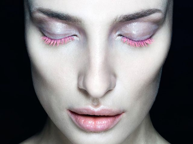 beauty-trends-iridescent-pink-01