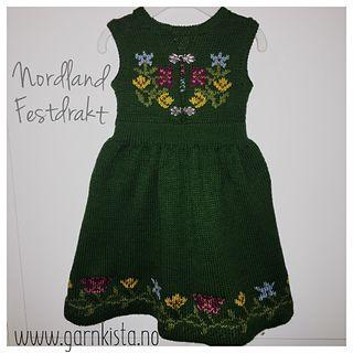 Nordland Festdrakt inspirert av Nordlandsbunaden.