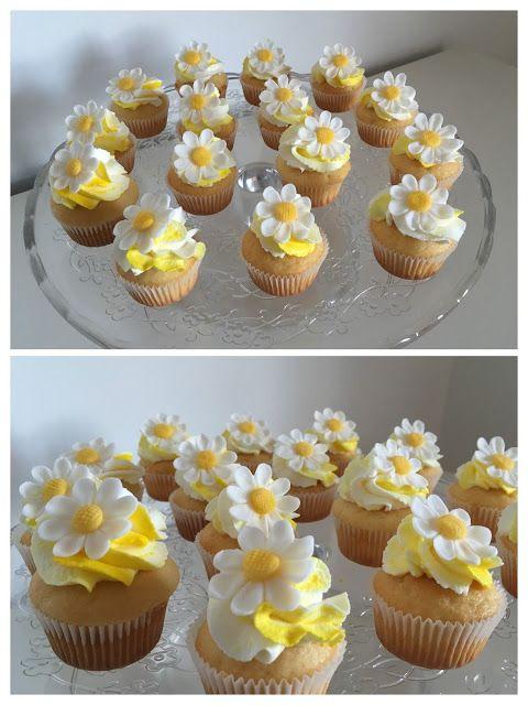 Cosa c'e per dolce?: Il battesimo di Margherita: i mini cupcakes e i bi...