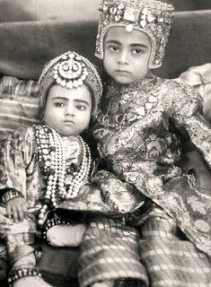 The jewels of the Nizams of Hyderabad  | ... +Ahmed+Unnisa,+son+and+daughter+of+The+Nizam+VI.+circa.+1910.jpg