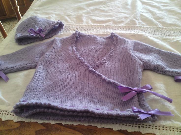 Scaldacuore incrociato e cappellino in lana con inserti in nastrino di raso [0-3 mesi]