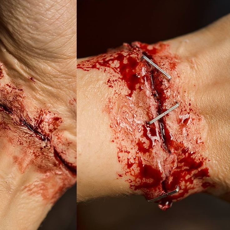 slit wrist freaky attack .....   #yusra_andijani #photography #makeup #artist #jeddah #movies  #cinema #specialeffects #scary #horror #blood #wounds #cinematic