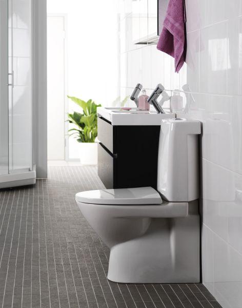 Tyylikkään ja toimivan muotoilun ansiosta IDO-wc-istuimissa on vähän likaa kerääviä saumoja.