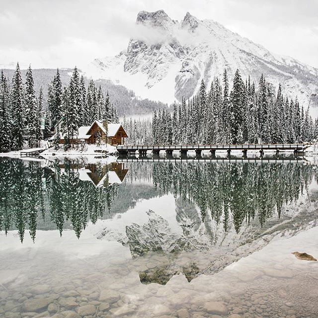 It seems to happen more often than not, post card days at Emerald Lake.