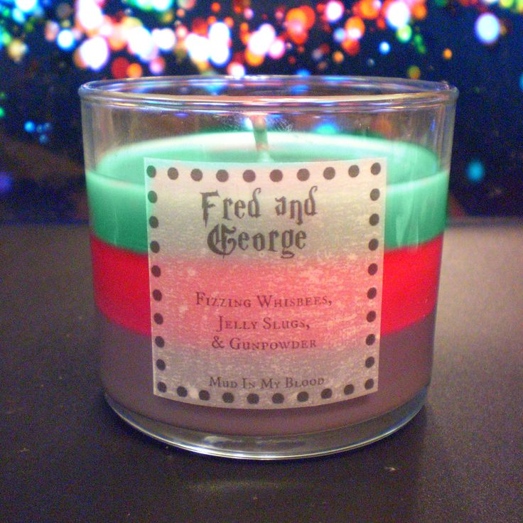 Fred and George Scented Candle- Peppermint Humbugs, Jelly Slugs, Fizzing Whisbees, and Gunpowder  - Thumbnail 2