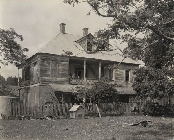 17 best images about old plantation home photos on for Home builders in south louisiana
