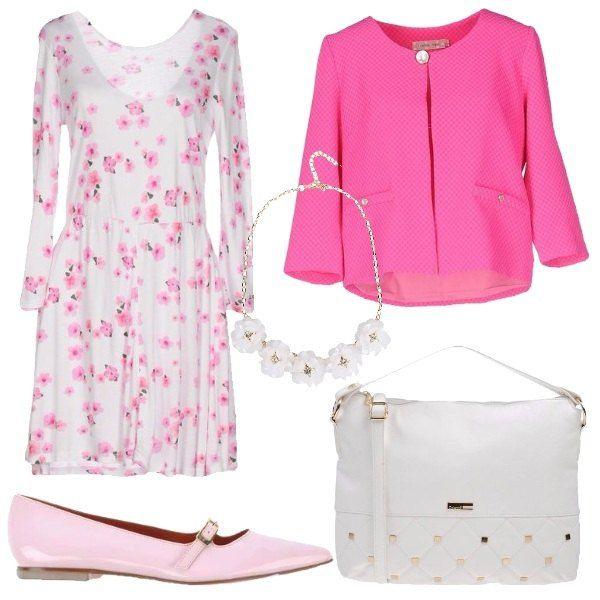 Il vestito bianco con fantasia di fiori rosa ha la manica lunga e il taglio in vita. Lo abbiniamo alla giacca rosa intenso con un solo bottone al collo e bottoncini sulle tasche, il taglio a scatola e la manica a 3/4. Come scarpe delle ballerine in vernice rosa tacco basso con punta e cinturino sul collo del piede. Come borsa un modello a braccio bianco con decoro di borchiette dorate. Per finire collana girocollo dorata con fiori bianchi.