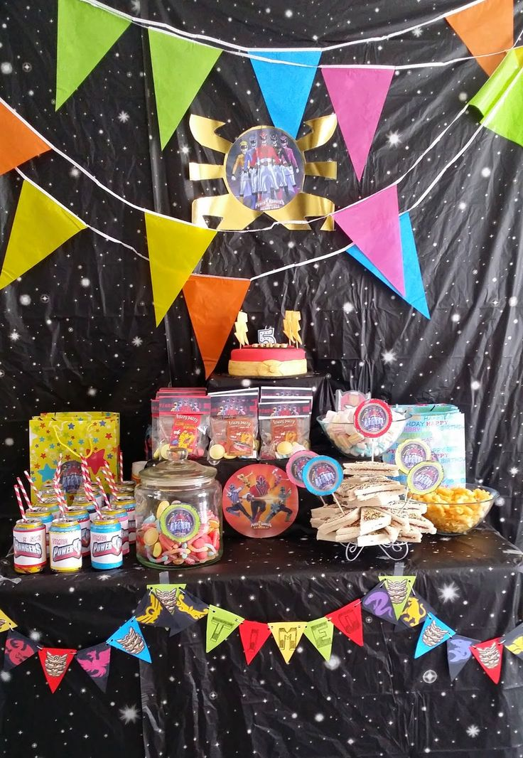 power rager anniversaire party cake Nali