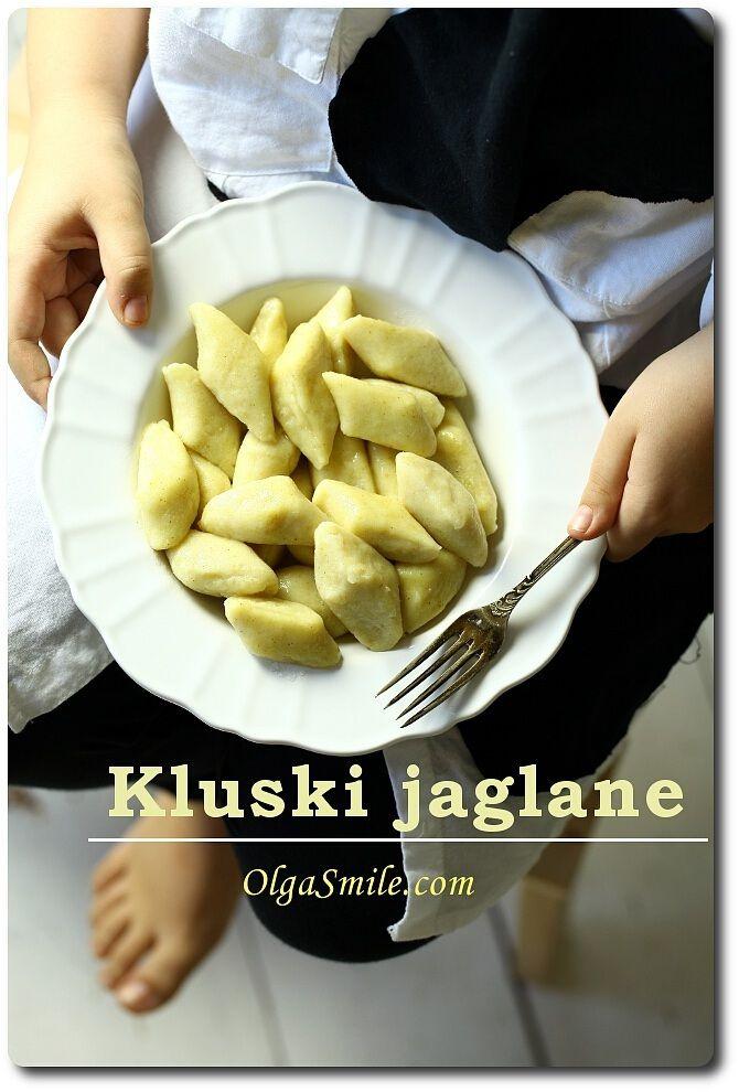Kluski jaglane (kasza jaglana, mąka jaglana, mąka ziemniaczana, twaróg lub tofu), etc)
