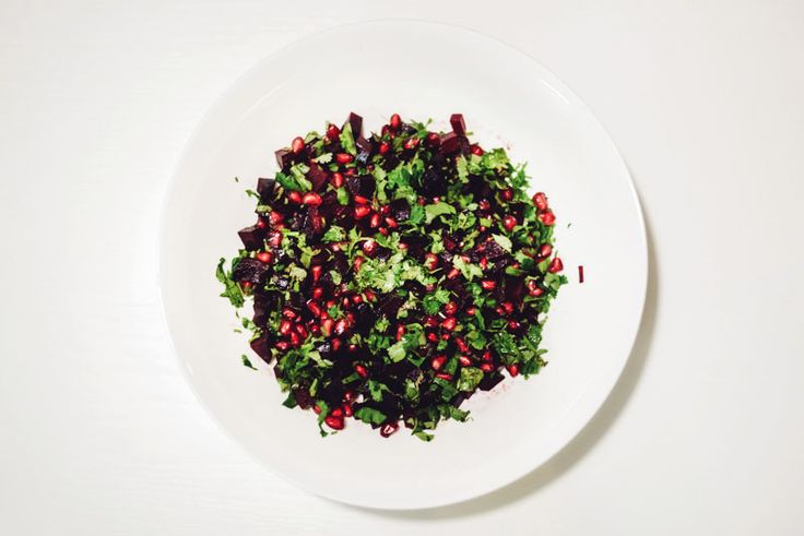 Low cal pomegranate and beet salad | 79 cal | Alina Zamogilnykh