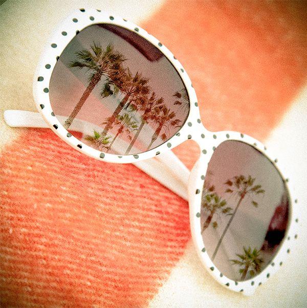 Nic není tak retro a dívčí jako PUNTÍČKY! My je milujeme, stejně jako tyto brýle :)