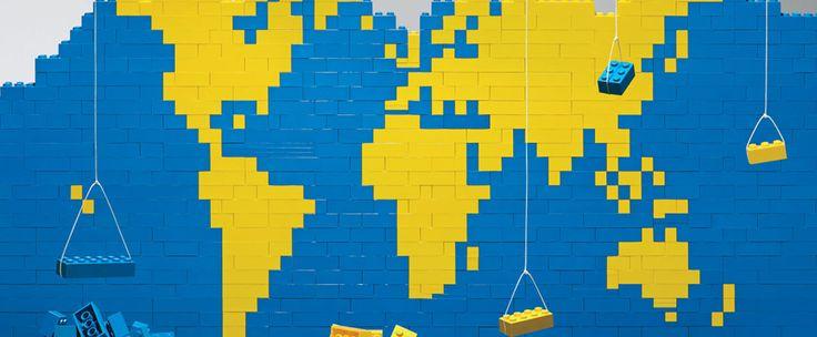 http://www.estrategiadigital.pt/brick-street-view/ - Sempre quis ver como seria sua rua e casa num universo paralelo feito de Legos? Bem, esse sonho está mais próximo da realidade, embora ainda haja alguns detalhes a melhorar. Basta entrar no Brick Street View e colocar a sua morada.