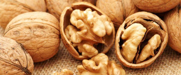 NOCi: La noce è un seme oleaginoso estremamente calorico e allo stesso tempo estremamente benefico. E' ricco di grassi mono e polinsaturi, tra cui i famosi acidi grassi omega-3 ed omega-6