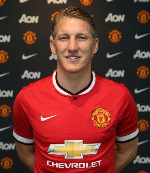 Manchester United sign Germany midfielder Bastian Schweinsteiger | Ryan Giggs | Manchester United & Wales