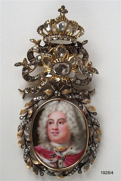 Pendant with enamel portrait of the Elector Friedrich August II      Dinglinger, Georg Friedrich (artist) (enameller)    Enamel painting: dated 1719; replaced by 1719 and by 1750
