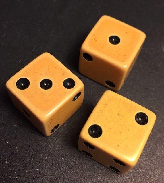 Lot of 3(three) Vintage Art Deco Yellow Bakelite Gambling Gaming Dice