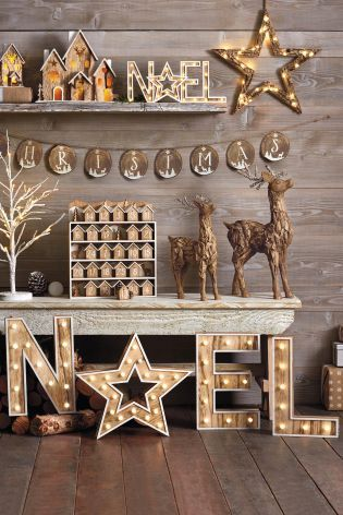 Rustic accessories that you NEED in your home this Christmas - how much do you LOVE those Noel letters?