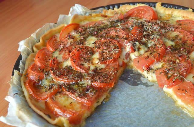 Tarte aux tomates : Recette pleine de fromage de mon enfance