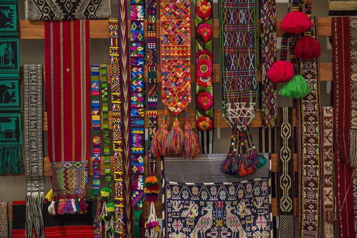 Textiles presentes en la exposición: Grandes Maestros del Arte Popular de Iberoamérica, hasta el 27 de septiembre en Centro Cultural La Moneda.