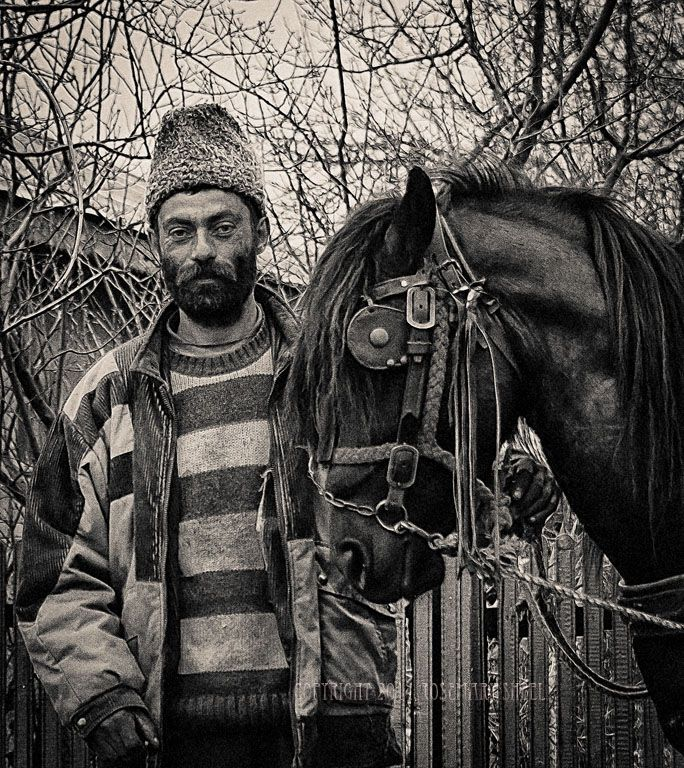 Gypsy peddler with his horse - Gypsies