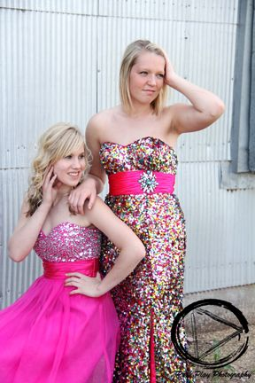 pink prom dress  - senior girl - senior picture clothes  - fun girl poses - best friend pictures - glamour shoot