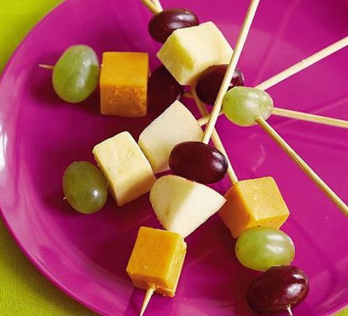 Cheese & fruit sticks