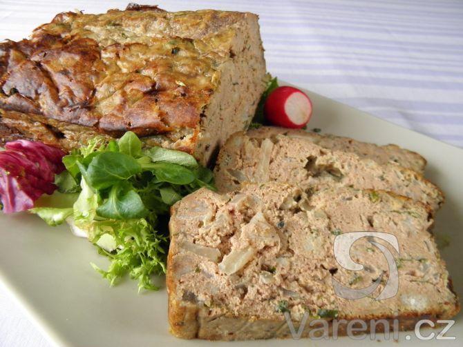 Bavorská pečená játra: Vyzkoušejte recept na chuťovku z pečených kuřecích jater na bavorský způsob. Pokrm můžeme servírovat teplý i za studena.