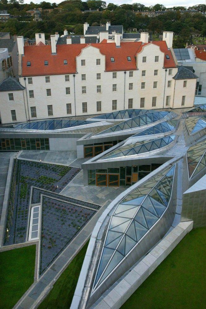 AD Classics: Scottish Parliament Building / Enric Miralles