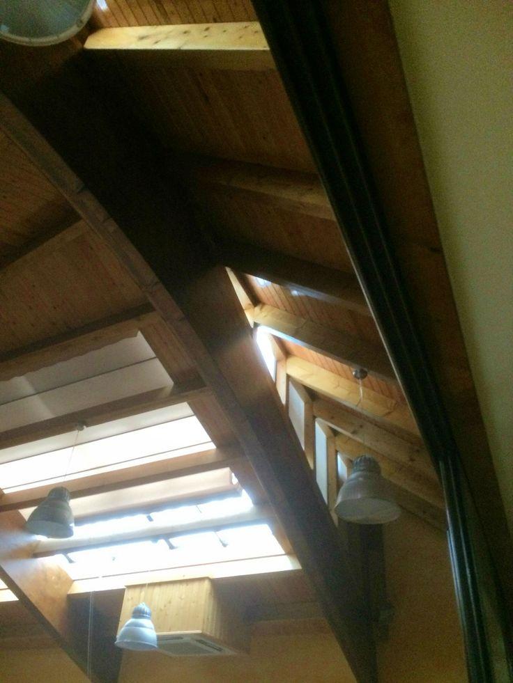 20 best images about tejados cubiertas y aleros de madera for Tejados de madera a 4 aguas