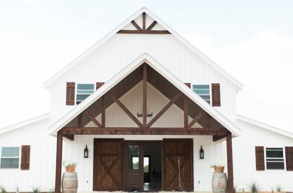 Positioned on a hilltop with overlooking views of the Brazos River Valley, this vintage-inspired wedding venue represents all things beauty and charm. Photo Credit: Five Oaks Farm
