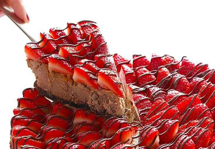 Endelig en cheesecake med alle yndlingslækkerierne i én og samme kage - og så er den oven i købet lidt af en letvægter.