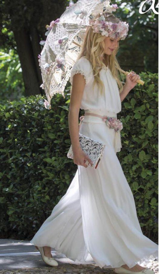 """La Moda Ibicenca, nació en Ibiza en la década de los 70, el vestido ibicenco, entraría a formar parte de un estilo propio de la isla, llamado Moda Adlib, """""""