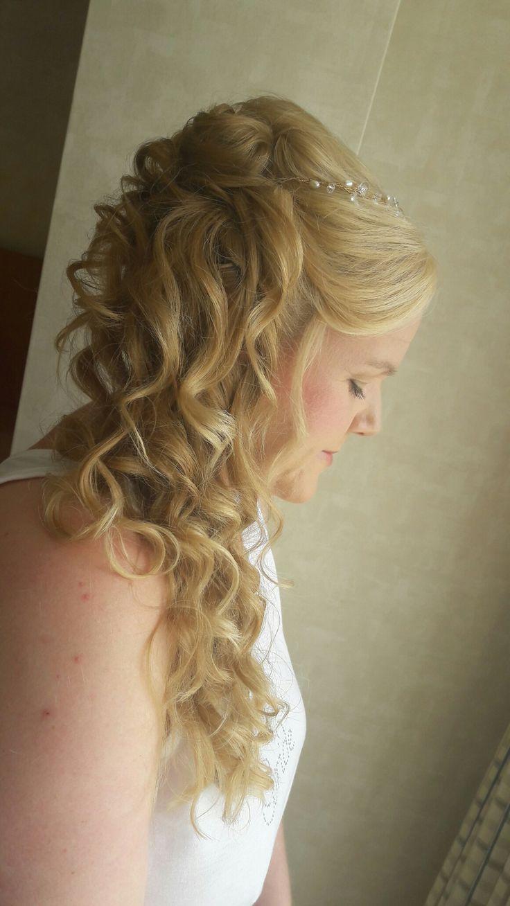www.brideshair.co.uk  Side ponytail idea