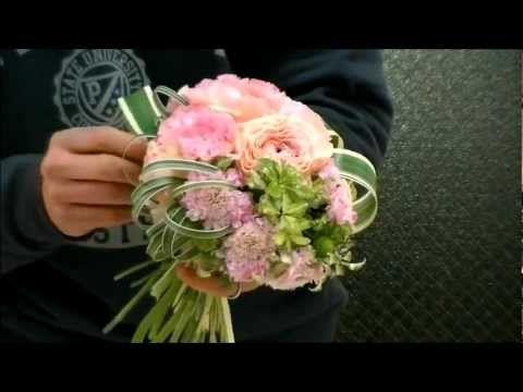 雑誌連載フラワーアーティストのウェディングブーケ制作レシピ~How to make wedding bouquet~the arrangement~ - YouTube