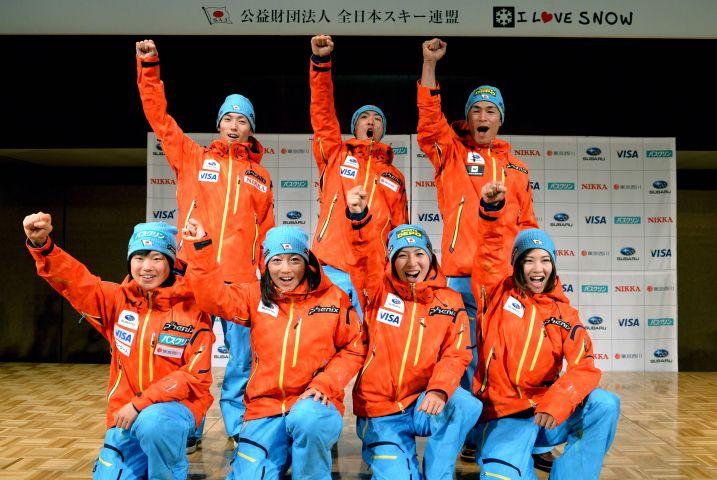 Team Japan: Front row from left: Yuki Ito, Masako Ishida, Miki Ito, Yuka Fujimori; back row from left: Daiki Ito, Akito Watanabe, Naoki Yuasa