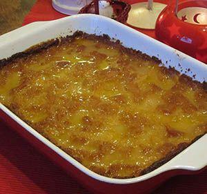 Imelletty Perunalaatikko oli perinteisesti pitopöytien herkku ja sitä syötiin muulloinkin kuin jouluna.