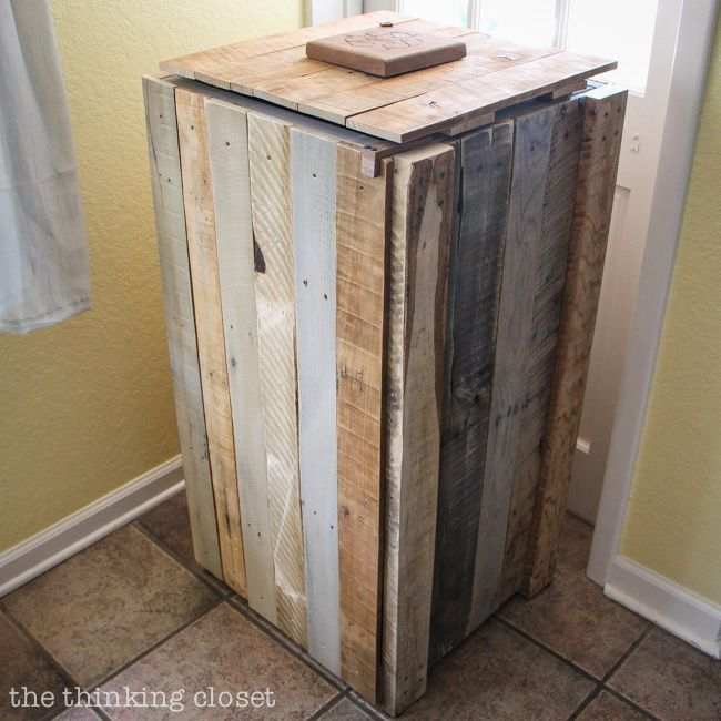 Rustic Pallet Recycle Bin.  Gotta love that the recycle bin itself is made from recycled materials!  And it's actually big enough that it doesn't need to be emptied every other day.  Such a great way to transform the recycle bin corner, so it's no longer an eye sore!