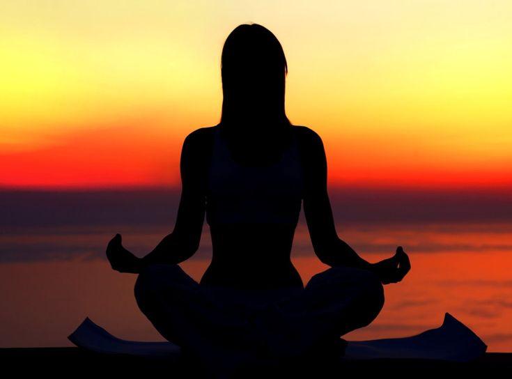 Yogaferie på Bornholm | 15. - 20. juli 2018  Gennem yoga arbejder vi med sundhed og velvære og vi bliver mere smidige i både krop og sind. Vi dyrker et særligt program med blid yoga og yin yoga. Blid yoga er de klassiske hatha yoga stillinger, i en blidere form så alle kan være med. Gennem yin yoga