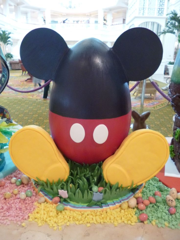 Grand Floridian Easter Eggs from My Magic 100, I think I could make a small version of this!