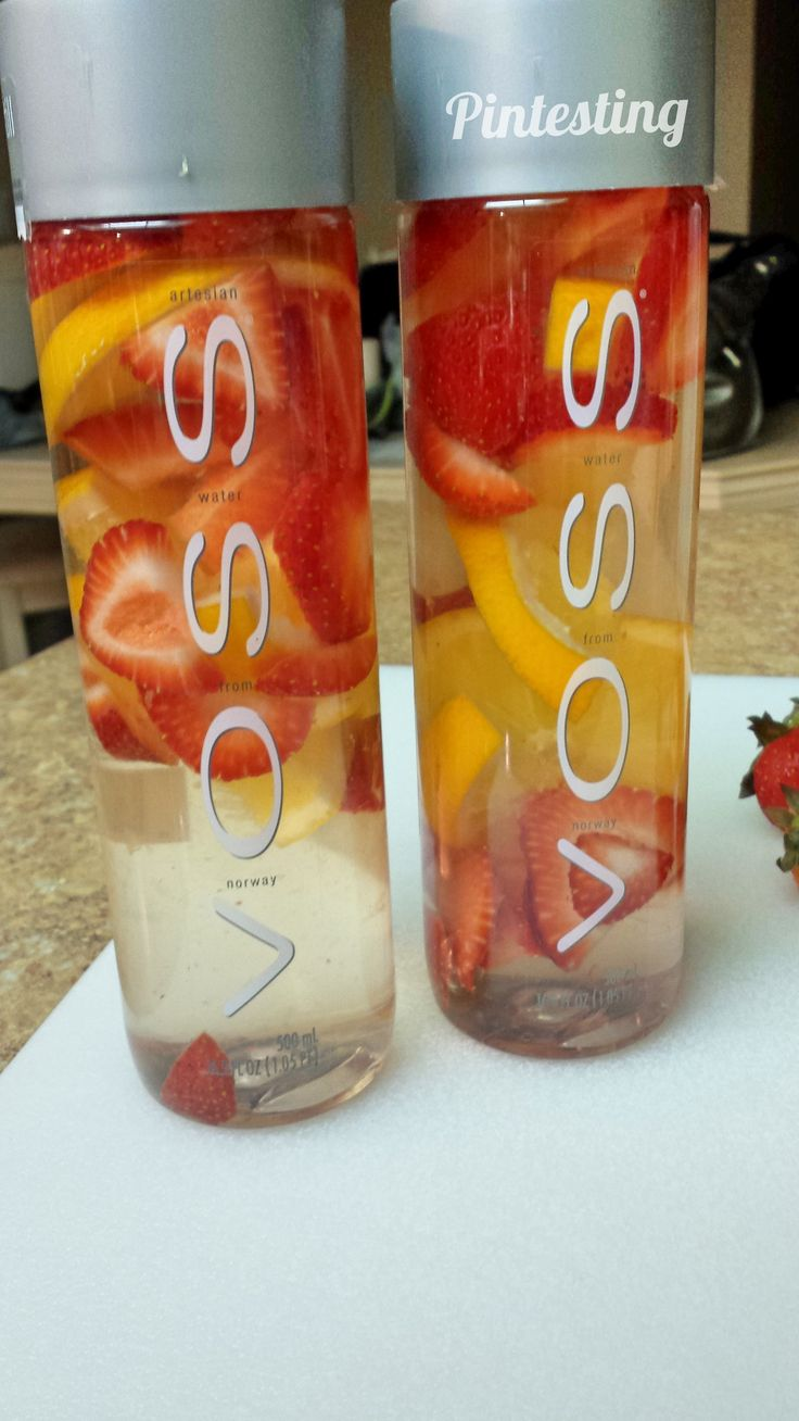 Lemon and Strawberry Detox Water | 5 out of 5 Pins - Plus a BONUS Pintest!