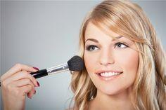 ¿Qué va antes el sérum o la hidratante? ¿El corrector o la base de maquillaje? Cada vez hay más productos de belleza y muchas veces dudamos del orden a seguir para aplicarlos ...