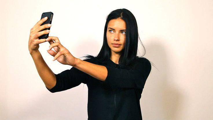 adriana-lima-selfie