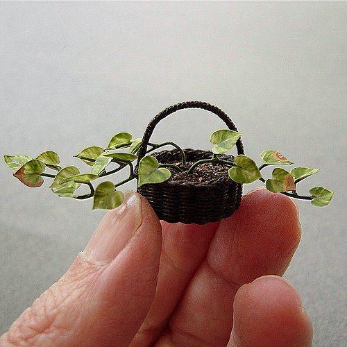 Dollhouse Minis: Dollhouse Plants by Bev Gallerani